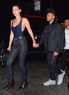 Bella Hadid and The Weeknd seemed to go public with their romance by walking hand-in-hand out of a hot NYC nightclub on Sept. The singer and model seemed to finally confirm those dating rumors! Style Bella Hadid, Bella Gigi Hadid, Bella Hadid Photoshoot, Salma Hayek, Abel And Bella, Bustier, Model Pictures, Mannequins, Sensual