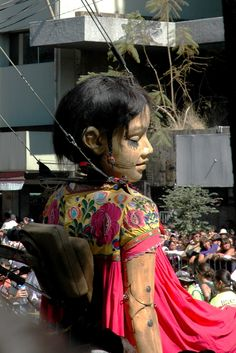 Royal de Luxe, Guadalajara, Mexico 2010 Puppet Toys, Marionette Puppet, Toy Theatre, Kinetic Art, Le Havre, Cryptozoology, Weird Creatures, Classical Art, Ghost Stories