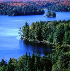 Algonquin Park, Ontario-My family and I use to go camping here for 2 weeks a year when I was younger! I miss it so much via Judy Finch Conte Nova Scotia, Dream Vacations, Vacation Spots, Quebec, Places Around The World, Around The Worlds, Alaska, Ontario Parks, Algonquin Park