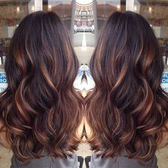 Golden caramel balayage on her dark brown hair . I want to try the balayage method of hair color. Hot Hair Colors, Cool Hair Color, Auburn Hair Dye, Medium Auburn Hair, Indian Hair Color, Dark Auburn Hair Color, Medium Blonde, Shatush Hair, Baliage Hair