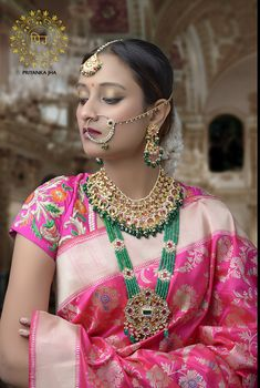 #banarsi #benarsi #saree #weddingsutra #silkmark #londonfashionblogger #usafashionblogger #sareegermany #handloom #handloomlove #iwearhandloom #designerinuk #indianwedding #weddingsaree #bangladeshiwedding #priyankajha #priyankajhacreations #fororderwhatsapp00447889562384 #sabyasachisaree #sabyasachibridal #sabyasachilehanga Banarsi Saree, Kanjivaram Sarees, Silk Sarees, South Indian Jewellery, Indian Jewelry, Saree Jewellery, Emerald Jewelry, Gold Jewelry, Kundan Set