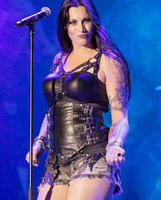 Floor Jansen ✾ Gothic Metal, Metal Sinfônico, Rock Y Metal, Chica Heavy Metal, Heavy Metal Girl, Heavy Rock, Symphonic Metal, Duckface, Female Guitarist
