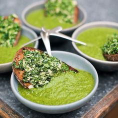 This is next level leek and potato soup with some added kale. Serve it with these herby Parmesan & almond toasts. Gourmet Recipes, Soup Recipes, Dinner Recipes, Healthy Recipes, Jamie Oliver, Vegan Soups, Food Crush, Everyday Food, Food Inspiration