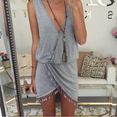 SEXY V-NECK SLEEVELESS DRESS
