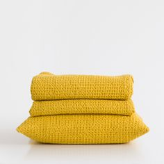 Yellow mesh cotton bedspread and cushion cover