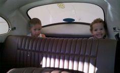 É provável que você tenha andado neste local tão seguro e especial do carro, o chiqueirinho. | 16 memórias que farão você se perguntar como sobreviveu à infância