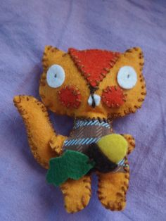 Pikkuinen huopaorava Cute Little Baby, Little Babies, Dancing On My Own, I Can Do Anything, The Creator, Dinosaur Stuffed Animal, Arts And Crafts, Felt, Kitty