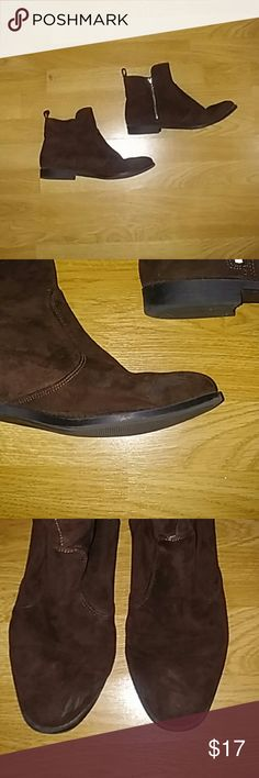 H&M Brown Booties Dark chocolate Brown booties. Zipper on side. Perfect for fall! Bought last year. Few scuffs, GUC. Worn few times. I wear 8.5/9 and these fit me. Make offer. H&M Shoes Ankle Boots & Booties