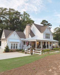 Dream House Exterior, Dream House Plans, My Dream Home, Dream Homes, White Farmhouse, Farmhouse Plans, Modern Farmhouse, Farmhouse Homes, Farmhouse Style Decorating