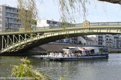 Balade sur l'Erdre à Nantes - Framboise à Pornic Street, Bridges, Roads, Arch Bridge, Ride Or Die, Nantes, Cities, Raspberry, Road Routes