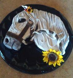 Amazing Horse-Cake made with Fondant!