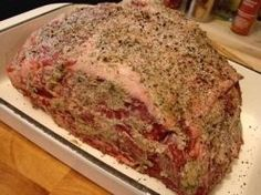 This is absolutely the World's Best Prime Rib roast recipe you will ever taste! Better than most restaurants. You will never want to cook it any other way once you've tried this. List of ingredients: Prime Rib Roast, Garlic Powder,Onion. Beef Dishes, Food Dishes, Main Dishes, Food Food, Roast Recipes, Cooking Recipes, Prim Rib Recipes, Game Recipes, Steak Recipes
