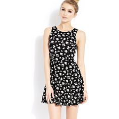 FOREVER 21 Wild Daisies Skater Dress ($13) ❤ liked on Polyvore featuring dresses, outfits, models, daisy print dress, forever 21, sleeveless dress, black daisy dress and skater dress