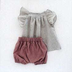 Smoky Pink Linen Summer Bloomers, Girls Bloomers, Toddler Bubble Shorts, Baby Diaper Cover, Made of Linen – Nina Mayer - Valentines Baby Outfits, Outfits Niños, Girls Summer Outfits, Kids Outfits, Baby Clothes Sizes, Organic Baby Clothes, Cute Baby Clothes, French Baby Clothes, Baby Summer Clothes