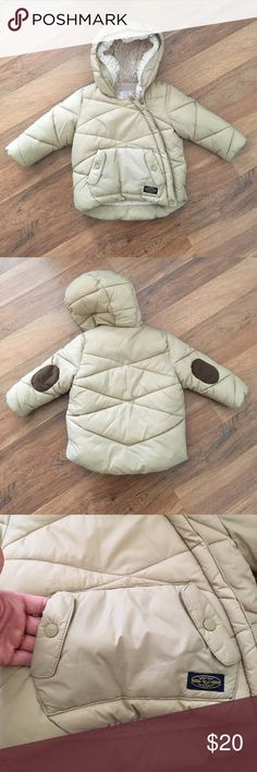 Zara Super Warm Jacket with Front Pocket Definitely the way to go to keep your little one warm!!!! Zara Jackets & Coats Puffers