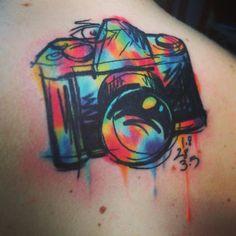 65 incríveis exemplos e inspirações de tatuagens no estilo aquarela                                                                                                                                                                                 Mais