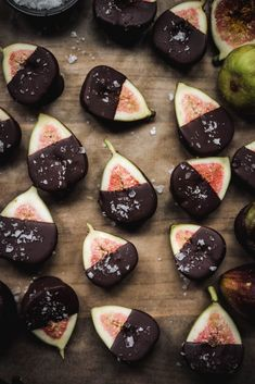 Dark chocolate dipped figs: the easiest seasonal dessert you hadnt thought of (until now!). Finished with a generous sprinkle of flaky salt, these are a crowd-pleasing, healthy(ish) dessert option, especially perfect for a crowd. Theyre also naturally gluten free, vegan and nut free! #chocolatedippedfigs #figs #darkchocolate #vegan | crowdedkitchen.com