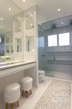 Welcome to California Dream Houses Home Building Design, Home Room Design, Interior Design Kitchen, House Design, Bathroom Design Luxury, Modern Bathroom, Bathroom Design Inspiration, Dream Bathrooms, House Rooms