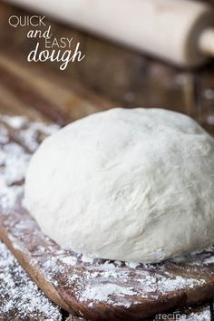Quick and Easy Dough. An awesome dough recipe for beginners and only has 20 minutes of rest time! It bakes perfectly every single time! Dough can be used to make garlic knots or breadsticks! How To Make Dough, Food To Make, Pizza Recipes, Baking Recipes, Bread Recipes, Pate A Pizza Fine, Easy Bread, Bread Baking, Yummy Food