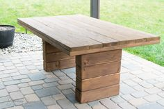 DIY Outdoor Dining Table Welcome back to week 4 of the ! If you are just tuning in, start with , , and so you know what's going on. Since we are making over the bac Outdoor Dinning Table, Patio Table, Patio Chairs, Patio Seating, Diy Table, Office Chairs, Picnic Table, Diy Outdoor Furniture, Outdoor Decor