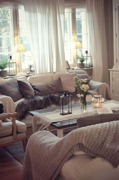Neutral color pallet for living room that looks warm, cozy, and inviting