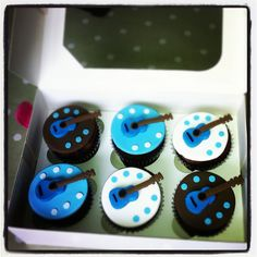 guitar cupcakes  www.cupcaketeaparty.co.uk