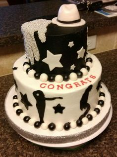 Michael Jackson Cake!!! I want!!! I need to find someone who can make this for my birthday.