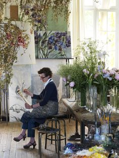 ≔ Claire Basler (French artist, born 1960) ≕ painter of dreamy flowers - Claire working in her studio