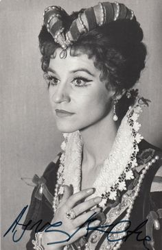 Agnes Baltsa - great Greek mezzo soprano who triumphed in her operatic career, especially when highlighted by the great Karajan. Ballet Music, Don Carlos, Maureen O'hara, Mezzo Soprano, Opera Singers, Celebs, Celebrities, Classical Music, Actors & Actresses