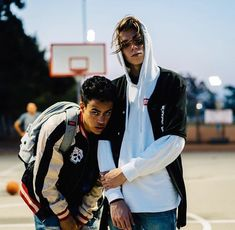 Even Though You Think It's Impossible, I'll Teach Edwin and Austin 💗💗💗 Beautiful Boys, Pretty Boys, Beautiful People, Hot British Men, Pretty Much Band, Brandon Arreaga, Boys Are Stupid, Nick Carter, Fine Men