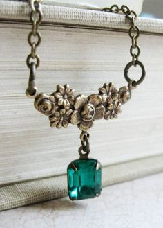 Vintage green jewel necklace