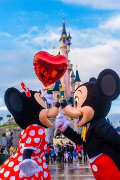 Mickey and Minnie Mouse | Disney | Photo | Photography | Adorable | Love