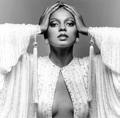 From Diana Ross and Bianca Jagger to Grace Jones, Jerry Hall and Kate Moss… Bianca Jagger, Divas, Bob Mackie, American Music Awards, Motown Records, Beautiful Black Women, Beautiful People, Mode Glamour, Vintage Black Glamour