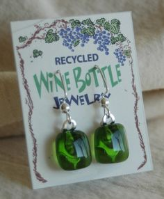 These beautiful and stylish earrings are made from recycled wine bottles and sterling silver. Recycled Wine Bottle Earrings definitely say GO GREEN! Bottle Jewelry, Fused Glass Jewelry, Wine Bottle Corks, Wine Bottle Crafts, Bottle Candles, Bottle Slumping, Recycled Glass Bottles, Wine Decor, Recycled Jewelry