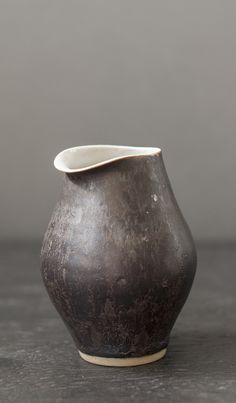 grey.quenalbertini: Ceramic, Lucie Rie