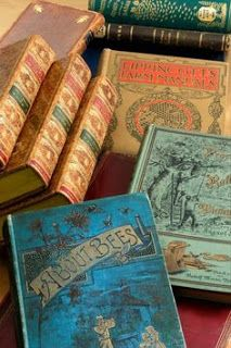 I love vintage books. Am I the only one who smells old books? Old Books, Antique Books, Children's Books, Love Vintage, Vintage Bee, Vintage Book Covers, Beautiful Book Covers, World Of Books, Ex Libris