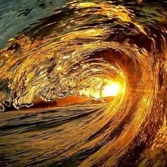 dentro da onda surf - Google Search Water Waves, Sea Waves, Waves Photography, Nature Photography, Photo Trop Belle, Cool Pictures, Beautiful Pictures, Waves After Waves, Water Element