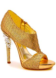 Versace. Ve más de moda, tendencias y looks en www.tuguiafashion.com