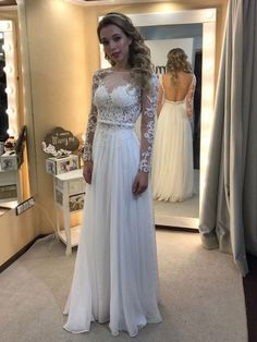 A-line Scoop Neck Chiffon Tulle Floor-length Appliques Lace Long Sleeve Backless Prom Dresses