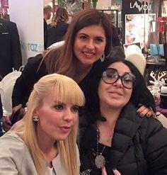 Nur Yerlitaş ve Özge Peker ile #alisverisyasatir etkinliğinde!  #lisyabeauty #lisyabeautybebek #sislietfal #gulumsesen #kansersizyasam #zorlu #raffleshotel #etkinlik #davet