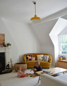 Home Interior Design — Living With Kids: Courtney Adamo ( HID ) Kid Spaces, Living Spaces, Home Interior, Interior Design, Interior Ideas, Modern Interior, Interior Decorating, Decorating Ideas, Home And Deco