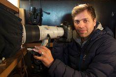 Kimmo Ohtonen pyrki Metsäkansan tarina -kirjansa kuvissa reportaasimaisuuteen ja halusi ikuistaa aitoja tilanteita.