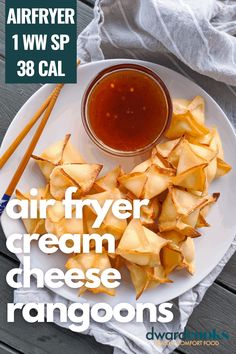 One of my absolute favorite Chinese takeout orders is really simple to make at home and make healthy in the airfryer. This low calorie appetizer and Weight Watchers friendly Chinese food makeover is simple to make and a fun way to use the air fryer. At only 38 calories a piece, this healthy cream cheese rangoon makeover is perfect for a night in. Air Fryer Dinner Recipes, Air Fryer Recipes Easy, Appetizer Recipes, Appetizers, Snacks Recipes, Health Recipes, Cream Cheese Rangoons, Air Fryer Recipes Weight Watchers