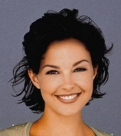 Ashley Judd. Love her hairstyle