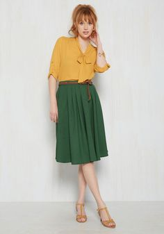 Superbe jupe verte vintage  ! J'adore l'ensemble qu'ils ont choisi ! Total look ! #look #mode #fashion #vintage #jupe #skirt #green #appart33  http://www.appart-33.com/produit/jupe-verte/