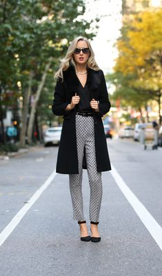 work wear street style fall fashion trends new york city nyc the classy cubicle fashion Business Casual Outfits, Professional Outfits, Office Outfits, Work Outfits, Young Professional, Casual Office, Office Style, Stylish Office, Office Ootd