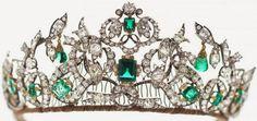 Tiara Mania: Emerald Parure Tiara