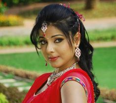 Bhojpuri Actress Smriti Sinha Upcoming Movies List 2019 & Release Dates - MT Wiki providing latest updated Actress Smriti Sinha All new Upcoming Bhojpuri films Name list 2018 with Poster, Actors, lead Star cast, Release Date info. Bhojpuri Actress, Actress Pics, Popular Actresses, Actors & Actresses, Upcoming Movies 2018, Priyanka Chopra Saree, Indian Girls Images, Film Archive, Heroine Photos