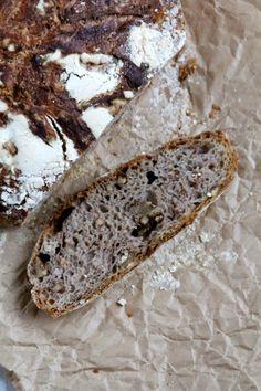 Eltefritt speltbrød med honning og valnøtter Food And Drink, Favorite Recipes, Baking, David, Bakken, Backen, Sweets, Pastries, Roast