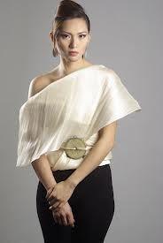 One way to wear a banaca wrap.